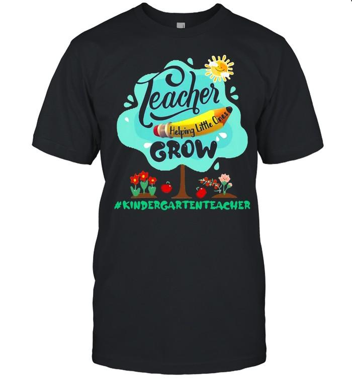 Teacher Helping Little Ones Grow Kindergarten Teacher T-shirt Classic Men's T-shirt