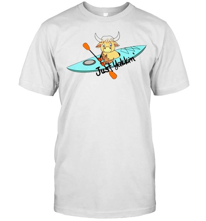 Kayaking just Yakkin' shirt Classic Men's T-shirt