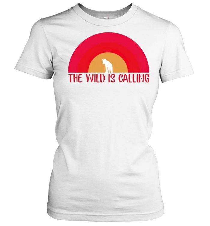 The wild is calling shirt Classic Women's T-shirt