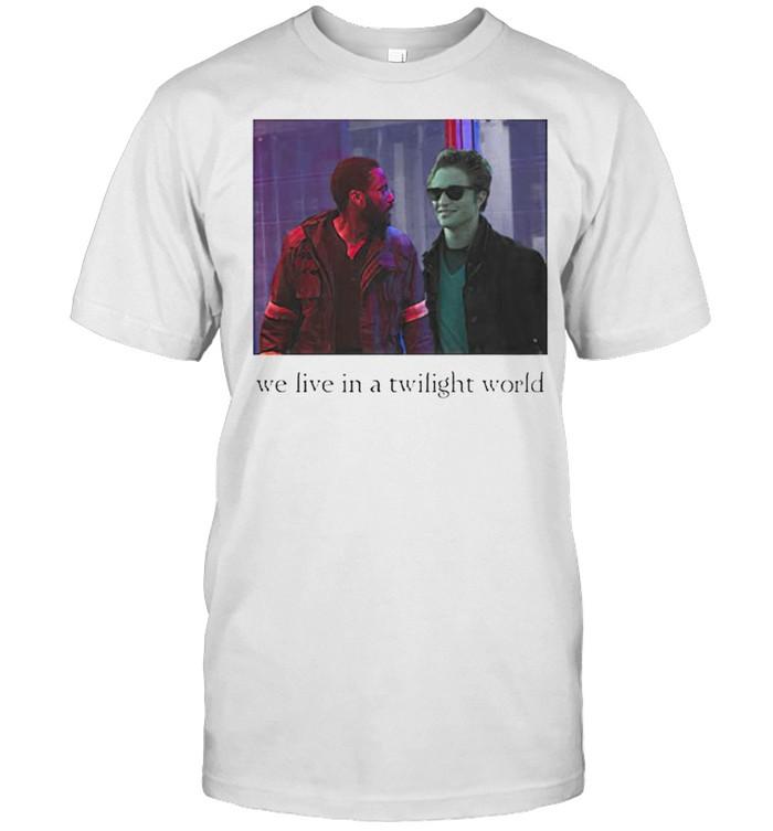 We live in a twilight world shirt Classic Men's T-shirt