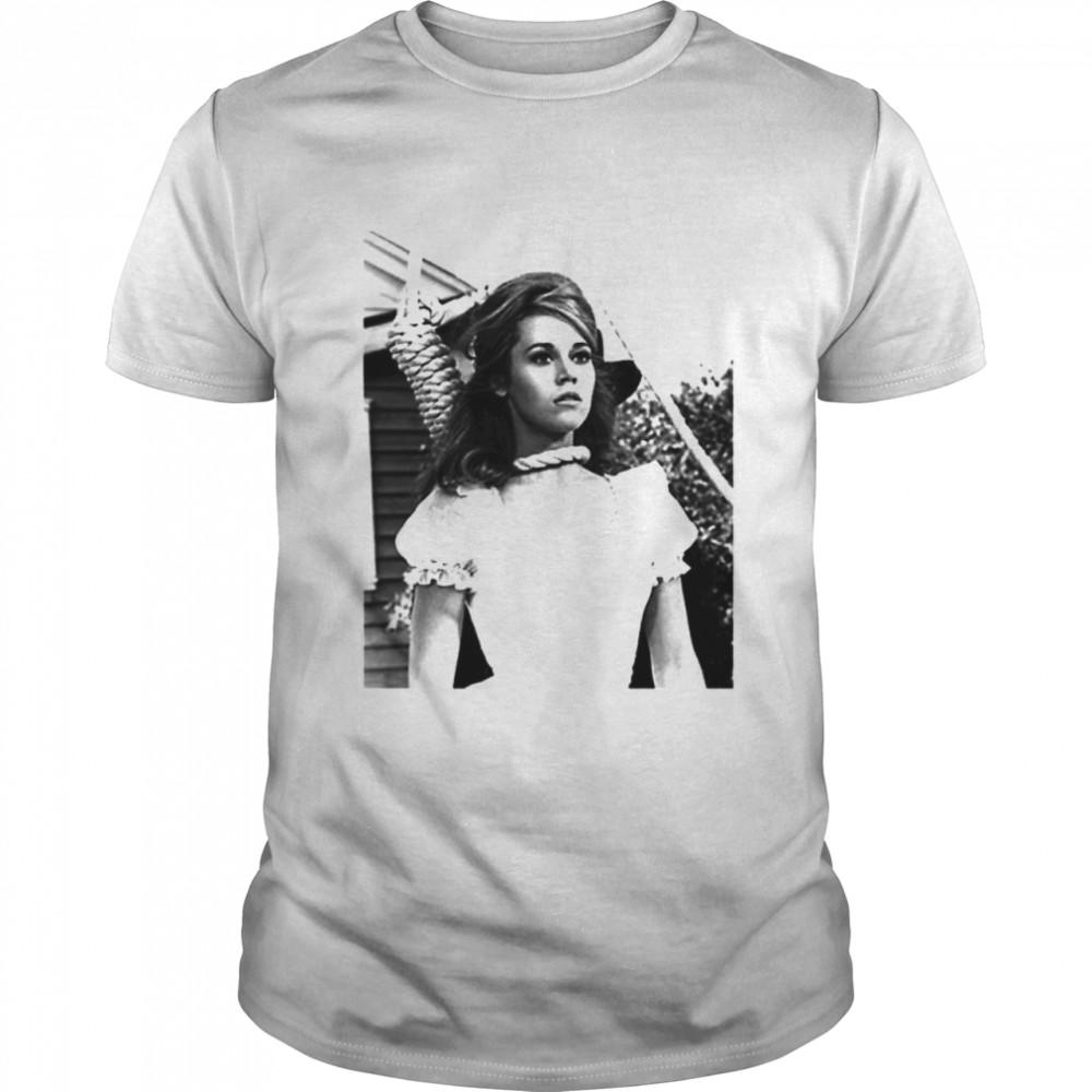Jane Fonda necklace vintage shirt