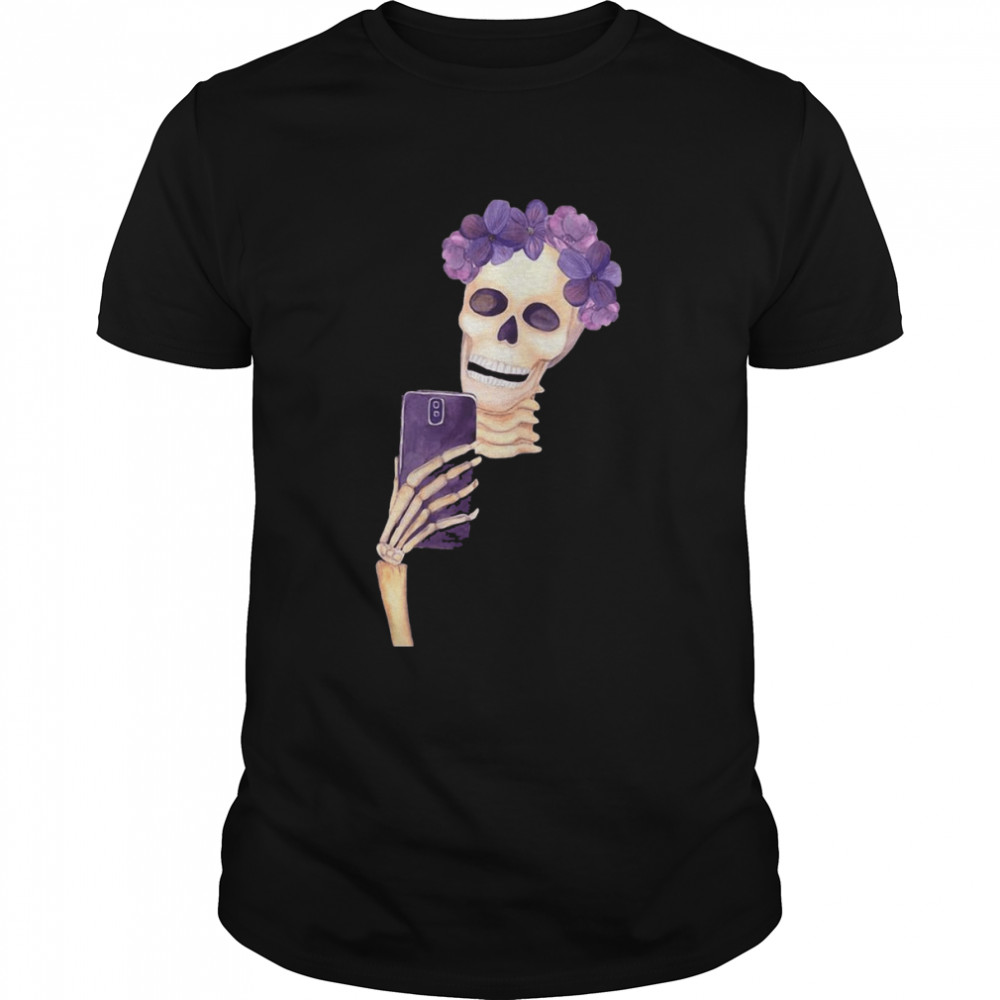 Skeleton Taking Selfie Halloween T-shirt